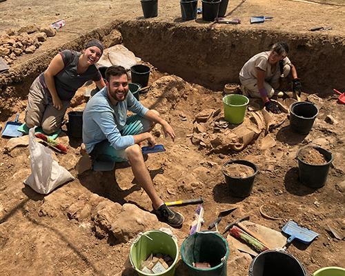 The team digging at Tell es Safi