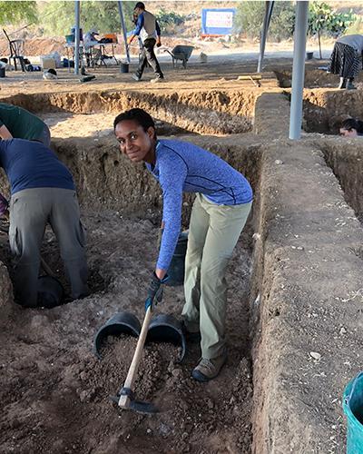 Larissa digging at Tell es Safi