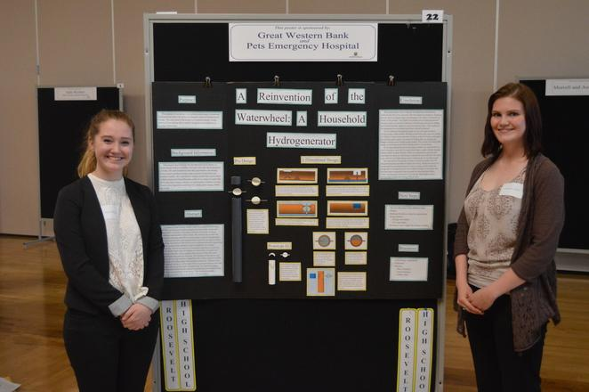 Students from Roosevelt High School presenting their research