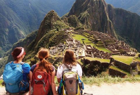 UNC students in Peru