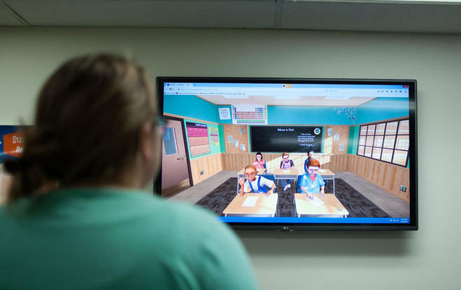 Student utilizes virtual reality tool