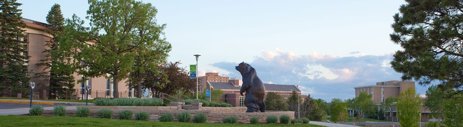 Bear statue outside of University Center on UNC's campus