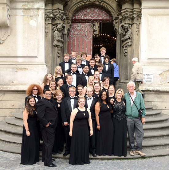 Group photo of Prima Voce Chamber Choir