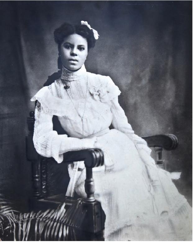 Lucile Buchanan Class Photo
