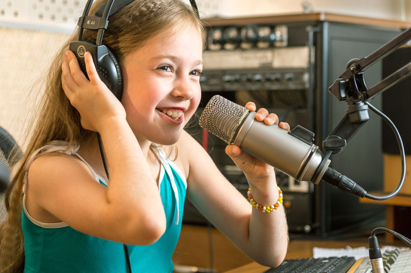 Radio arts in the multilingual classroom