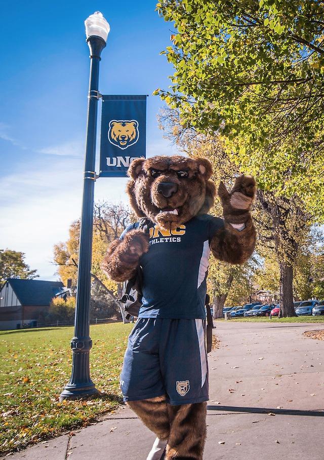 UNC Bears mascot, Klawz waving hello